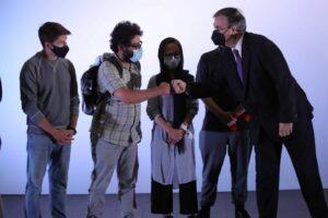 SRE recibe a 124 periodistas afganos como refugiados