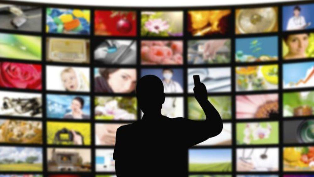 Impulsan medios de comunicación plurales y libres
